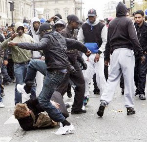 http://www.conunderground.com/wp-content/uploads/2014/02/blacks-beating-up-whites.jpg